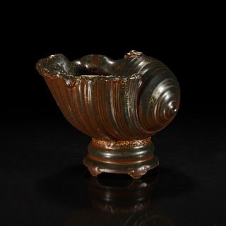 A Chinese faux bronze porcelain coupe 瓷仿铜贝壳水盂
