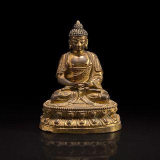 A Sino-Tibetan gilt bronze Buddha 中原或藏传佛教鎏金铜造像 18th century or earlier 十八世纪或更早