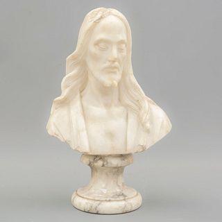 Busto de Jesucristo. SXX. Talla en alabastro Con base de mármol. 19 cm de altura.