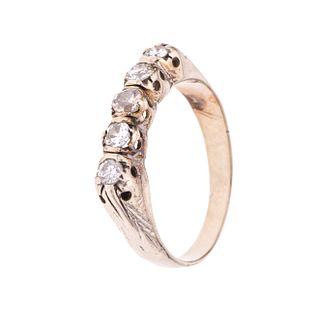 Media churumbela con diamantes en oro blanco de 10k. 5 diamantes corte brillante de 0.50 ct. Talla: 7. Peso: 3.4 g.