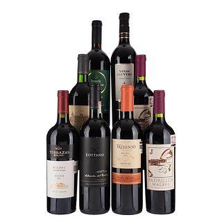 Lote de Vinos Tintos de España, Francia y Argentina. a) Château Beaumont. Cosecha1998. Haut - Médoc. Franc...