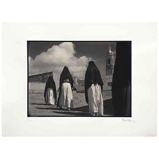 GABRIEL FIGUEROA, Río escondido, 1947,  Firmada y fechada 90, Fotoserigrafía 8/300, 56 x 76.5 cm, con sello. | GABRIEL FIGUEROA, Río escondido, 1947,