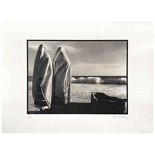 GABRIEL FIGUEROA, La perla 2, 1945, Firmada y fechada 90, Fotoserigrafía 8/300, 56 x 76.5 cm, con sello. | GABRIEL FIGUEROA, La perla 2, 1945, Signed