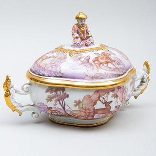 Du Paquier Painted Chinoiserie Porcelain Quatrefoil Equelle and Cover