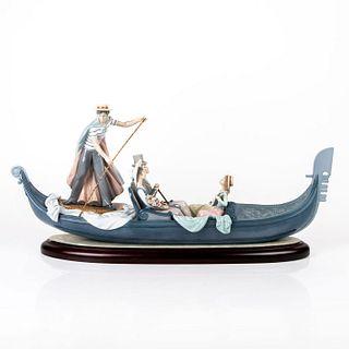 In The Gondola 1001350 - Lladro Porcelain Figurine