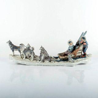 Onward! 01001742 LTD - Lladro Porcelain Figurine