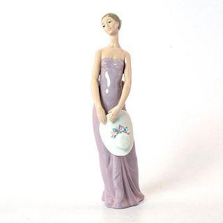 Bridesmaid 1005598 - Lladro Porcelain Figurine