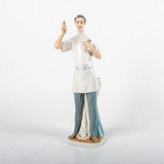 Dentist 01004762 - Lladro Porcelain Figure