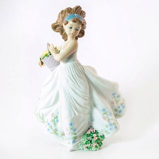 Floral Path 1006646 - Lladro Porcelain Figurine