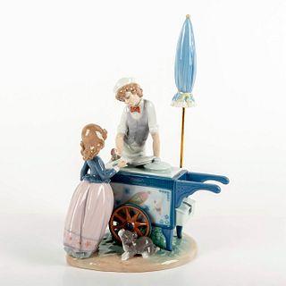 Ice Cream Vendor 1005325 - Lladro Porcelain Figurine
