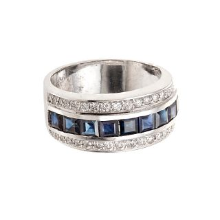 Ring made in 18 kt white gold, with natural sapphires weighing 1 ct.