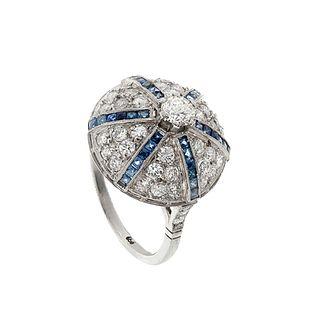 Bombé ring in platinum