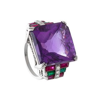 Chevalier ring, 1940's. With faceted amethyst weighing ca. 15.00 cts.