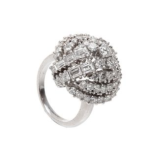 Ring made in 18 kts. white gold, with a brilliant-cut diamonds, weighing 3.70 cts.,