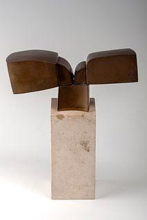 JOSE LUIS SANCHEZ FERNANDEZ (Almansa, Albacete, 1926).  Untitled.  Patinated bronze and marble sculpture. Exemplary 131/300.