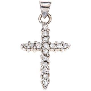 CRUZ CON DIAMANTES EN PLATA PALADIO con diamantes corte 8x8 ~0.16 ct. Peso: 1.7 g | CROSS WITH DIAMONDS IN PALLADIUM SILVER 8x8 cut diamonds ~0.16 ct.