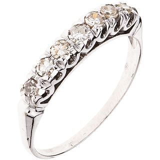 ANILLO CON DIAMANTES EN PLATA PALADIO con diamantes corte 8x8 ~0.35 ct. Peso: 1.8 g. Talla: 7 | RING WITH DIAMONDS IN PALLADIUM SILVER 8x8 cut diamond