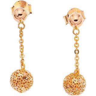 PAR DE ARETES EN ORO ROSA DE 21K Peso: 2.8 g. | PAIR OF EARRINGS IN 21K PINK GOLD Weight: 2.8 g.