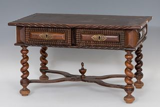 Table; Portugal, XVIII and XX centuries.  Rosewood veneer.  It has drawers remade in the twentieth century.