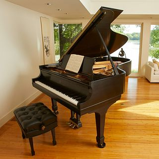 Steinway & Sons Grand Piano w/ Bench