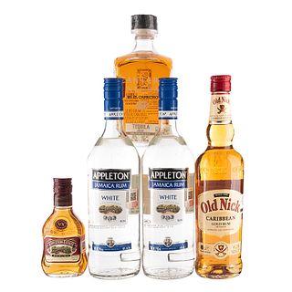 Lote de Ron y Tequila de México, Jamaica y Francia. Old Nick. Appleton. En presentaciones de 700 ml., 900 ml. Total de piezas: 5.