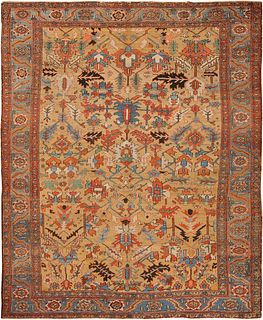 ANTIQUE PERSIAN HERIZ CARPET. 12 ft x 9 ft 9 in (3.66 m x 2.97 m).
