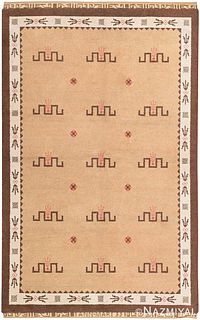 VINTAGE SCANDINAVIAN PILE RUG, SWEDISH, SIGNED AND DATED 'ANN-MARI 33'. 8 ft 6 in x 5 ft 4 in ( 2.59 m x 1.63 m).