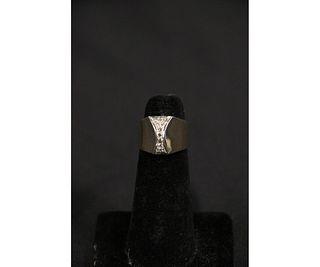 14KT. WHITE & YELLOW GOLD DIAMOND RING