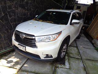 Camioneta Toyota Highlander 2015