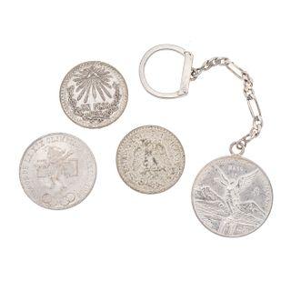 Tres monedas y llavero con moneda de 1 onza en plata. Peso: 97.0 g PZ 4
