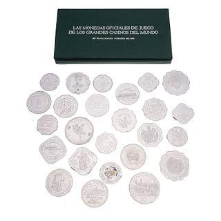 Veinticinco monedas oficiales de juegos de los grandes casinos del mundo en plata .925. 21 certificados. Peso: 504.1 g.