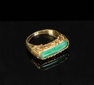 CHINESE GOLD & JADE RING