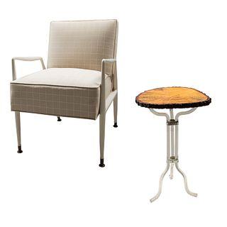 Sillón y mesa auxiliar. SXX. Sillón en metal laqueado. Estilo danés. Mesa auxiliar con fuste de acrílico y cubierta de madera. 78 cm