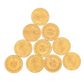 Diez medallas de Maximiliano en oro amarillo de 18k. Peso: 4.7 g.