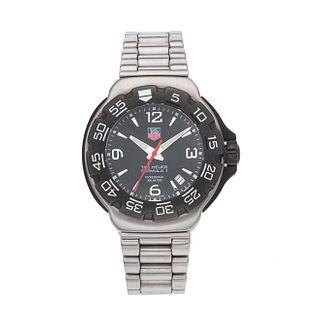 Reloj Tag Heuer Fórmula 1. Movimiento de cuarzo. Caja circular en acero de 43 mm. Bisel unidireccional. Carátula color negro...