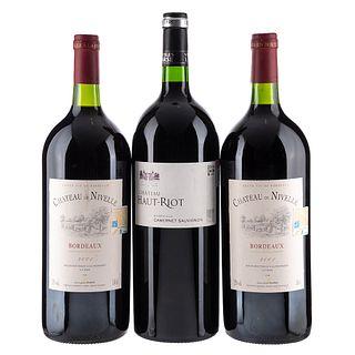 Lote de Vinos Tintos de Francia. Chateau de Nivelle. Chateau Haut - Riot. Magnum. Total de piezas: 3.