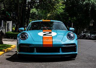"Porsche 911 Turbo S versión Pedro Rodriguez ""One of a Kind"". Motor: Calibre 102.0 mm Carrera 76.4 mm Cilindrada 3,745 cm3"