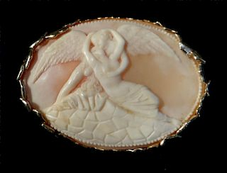 """SHELL CAMEO """"CUPID & PSYCHE"""" IN 14K GOLD JACKET"""