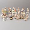 Lote de 24 figuras decorativas. México, Japón y China. Siglo XX. En pasta y porcelana de Cuernavaca, Lefton, Bradley, Esther y D.S.
