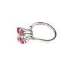Anillo vintage con diamantes y rubíes en plata paladio. 4 rubíes corte oval. 5 diamantes corte 8 x 8. Talla: 4 1/2. Peso: 2....