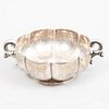 Botanero. México, siglo XX. Elaborada en plata Sterling. Ley 0,925. Sellado Sanborns. Diseño gallonado. Peso: 126 g.