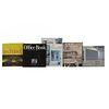 LIBROS SOBRE ARQUITECTURA Y DISEÑO DE INTERIORES. a) The Office Book. b) The Architect's Office. Piezas: 5.