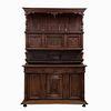 Buffet. Francia. Siglo XX. En talla de madera de roble. A 2 cuerpos. Con 3 cajones y 6 puertas. 240 x 162 x 60 cm