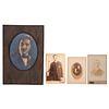 Lote de 4 fotografías. Sin enmarcar. Consta de: a) Retrato de caballero. Firmado al frente. Plata sobre gelatina. En carpeta. Otro.