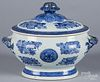 Chinese export porcelain blue Fitzhugh tureen