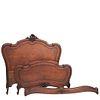 CAMA MATRIMONIAL. FRANCIA, SXX. Estilo LUIS XV. Elaborada en madera de nogal. Con cabecera, piecera, largueros y soportes tipo cabriolé | DOUBLE BED.