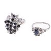 Dos anillos vintage con zafiros en plata paladio. 15 zafiros corte redondo y oval. Tallas: 6 1/2 y 7 1/2. Peso: 7.8 g.