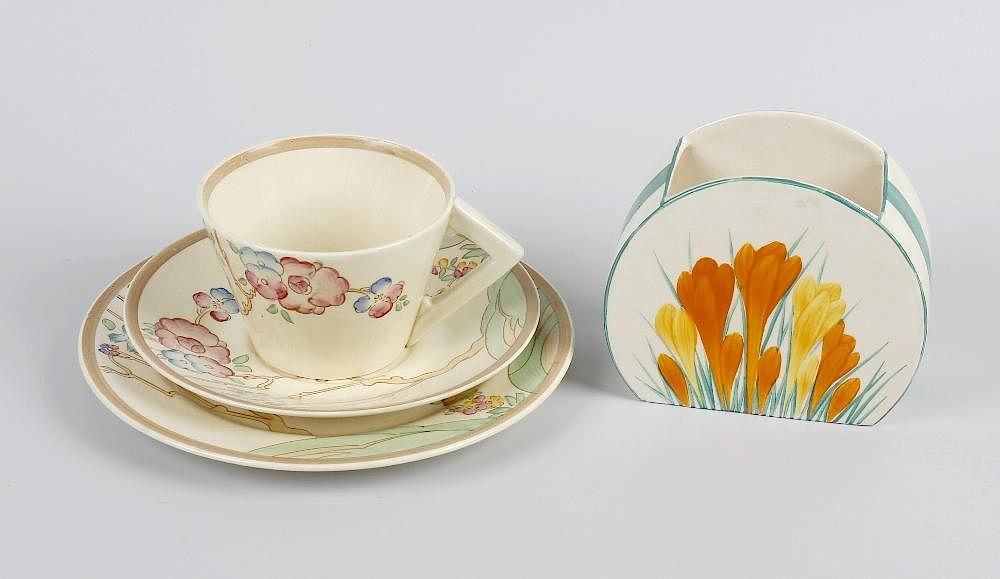 A Clarice Cliff Crocus Pattern Bonjour Shape Vase A Clarice Cliff