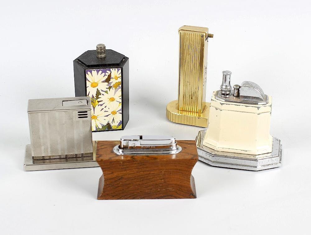 Strange A Large Collection Of Table And Pocket Cigarette Lighters Interior Design Ideas Gentotryabchikinfo