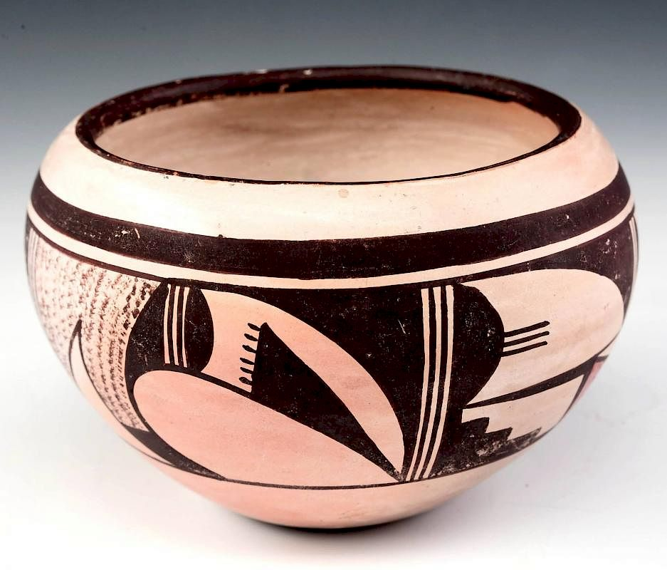 A Joy Navasie Hopi Pottery Vase With Frog Signature By Soulis